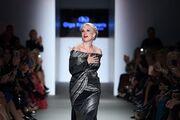 24η Athens Xclusive Designers Week: Οι κουμπάρες πήγαν για να μάθουν για τις νέες τάσεις της μόδας