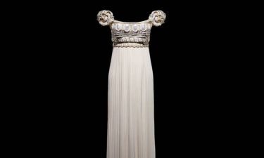 Dior: Aπό το Παρίσι στην κορυφή του κόσμου με 200 θρυλικές δημιουργίες