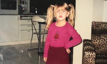 Αναγνωρίζετε το κοριτσάκι της φωτογραφίας; Είναι σήμερα γνωστή Ελληνίδα ηθοποιός! (Photos)