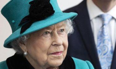 Ξεκαρδιστικό Viral: Η απίστευτη αντίδραση μικρού όταν είδε τη βασίλισσα Ελισάβετ
