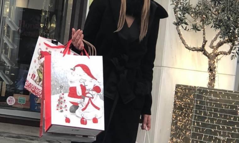 Χριστουγεννιάτικες αγορές για την παρουσιάστρια