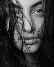 GNTM: Νέα σέξι φωτό της Καζαριάν που έχει «ρίξει» το instagram!