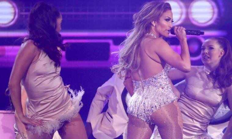 Λίγο πριν τα 50, η Jennifer Lopez είναι πιο αδύνατη από ποτέ και μας το έδειξε στα φετινά Grammys!