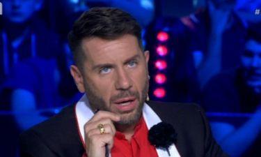 «Δεν επιτρέπεται τραγουδιστές, κάτι Μαζωνάκηδες και άλλοι, να πληρώνονται για να κρίνουν τα παιδιά»