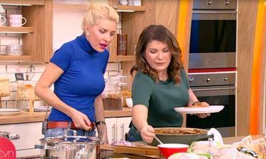 Ελένη:«Βάφουμε την κουζίνα και δεν έχουμε φαγητό. Έπρεπε να φέρω τα παιδιά μου να φάνε γιουβέτσι»!