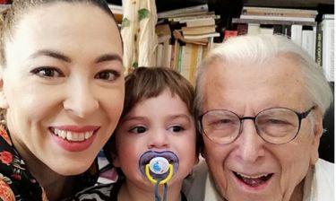 Η Αλίκη Κατσαβού δημοσίευσε φωτογραφία του παιδιού της με τον Κώστα Βουτσά