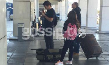 Μάκης Παντζόπουλος: Στο αεροδρόμιο με την μικρή κόρη της Ελένης Μενεγάκη