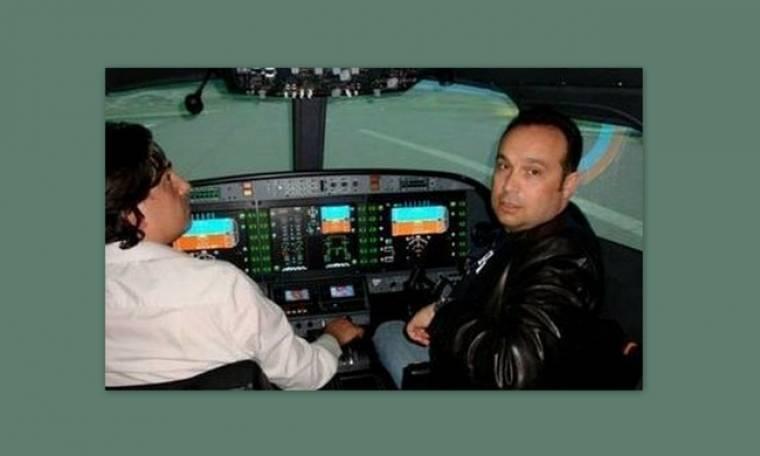 Ο Κώστας Μακεδόνας, μετά την καριέρα του ως πιλότος κατέκτησε ακόμα ένα όνειρό του στους αιθέρες!