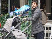 Λένα Παπαληγούρα: Βόλτα στη Κηφισιά με τον σύζυγο και τον γιο της