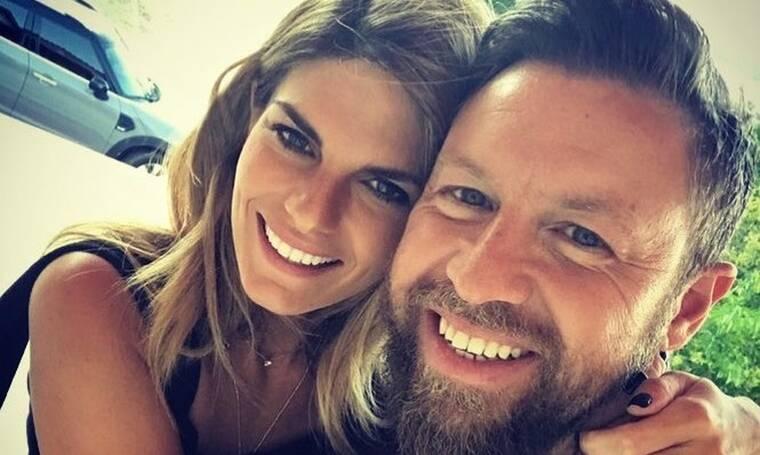 Ο Γιάννης Βαρδής έχει γενέθλια και η σύζυγος του, του κάνει ερωτική εξομολόγηση!