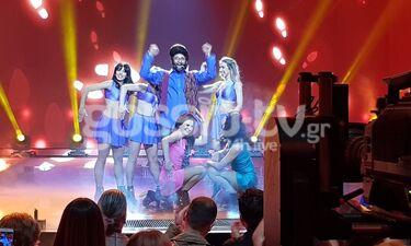YFSF: Με...δικούς του στίχους τραγούδησε το Baila el Chiki Chiki ο Ευθύμης Ζησάκης