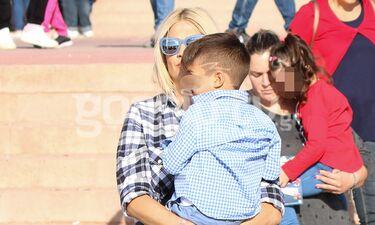 Η Φαίη Σκορδά με τον γιο της Γιάννη Λιάγκα - Η τρυφερή αγκαλιά στον μικρό της (photos)
