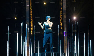 Eurovision 2019: Αυστρία: Συγκίνησε η τραγουδίστρια με τα μπλε μαλλιά (photos+videos)