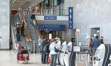 Δεν θα πιστεύετε ποιο σημείο είναι το πιο βρώμικο σ' ένα αεροδρόμιο - Δεν είναι οι τουαλέτες (video)