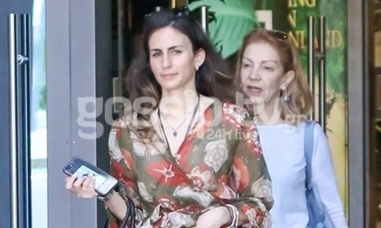 Πέμυ Ζούνη: Η πρώτη δημόσια εμφάνιση με την κόρη της μετά το σοβαρό πρόβλημα υγείας (photos)