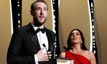 Ο πρώτος Έλληνας σκηνοθέτης που βραβεύτηκε με «Χρυσό Φοίνικα» για ταινία μικρού μήκους (photos)