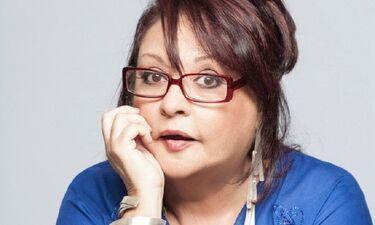 Μίρκα Παπακωνσταντίνου: «Οι δεινόσαυροι πάντα μένουν μέσα σου, αλλά με βοήθησε πολύ η υποκριτική»