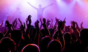 Στη φόρα τα «άπλυτα» των θρύλων της ροκ μουσικής και η... μακαρονόδα της Βουγιουκλάκη! (photos)