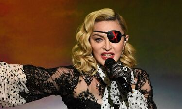 Έξαλλη η Madonna με Ελληνίδα δημοσιογράφο: «Με κάνει να νιώθω σαν να με βίασαν» (pics)