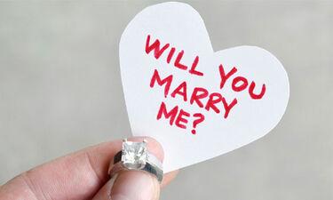 Γνωστή Ελληνίδα παρουσιάστρια δέχτηκε πρόταση γάμου και... την αρνήθηκε (photos)