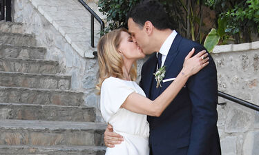 Γάμος Μπαλατσινού – Κικίλια: Το δημόσιο «σ' αγαπώ» της Τζένης στον Βασίλη Κικίλια μετά το μυστήριο