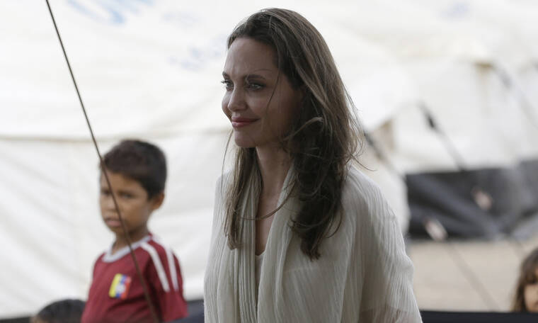 To αποφασίσαμε: Αυτές είναι μακράν οι πιο φυσιολογικές φωτογραφίες της Angelina Jolie