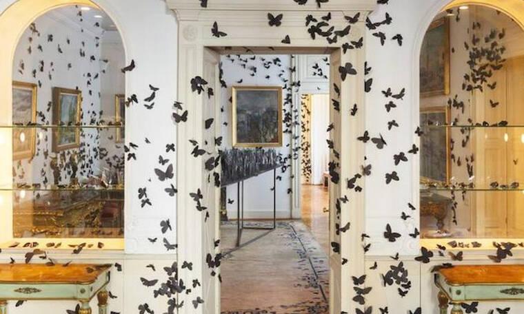 15.000 χάρτινες πεταλούδες σ' ένα κτήριο του 19ου αιώνα