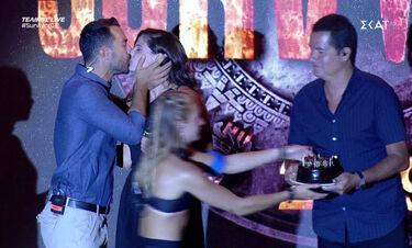 Survivor τελικός: Η έκπληξη στην Μπόμπα για τα γενέθλιά της! Η τούρτα και το φιλί του Σάκη (video)