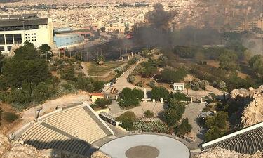 Φωτιά στο Κατράκειο Θέατρο της Νίκαιας (pics)
