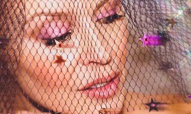 Δες την Kylie Minogue πιο όμορφη από ποτέ στα 51 της