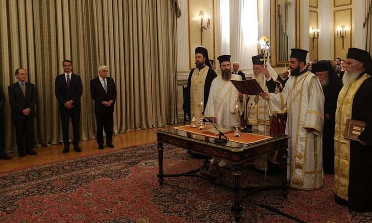 LIVE: Ορκίστηκε η νέα κυβέρνηση στο Προεδρικό Μέγαρο - Την Τετάρτη το υπουργικό συμβούλιο
