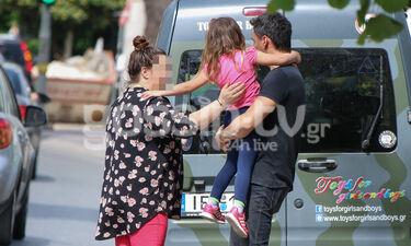 Οι τρυφερές στιγμές γνωστού Έλληνα τραγουδιστή με την κόρη του (photos)