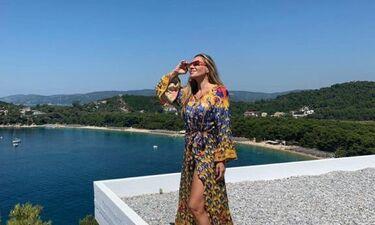 Ελένη Πετρουλάκη: Οικογενειακές διακοπές στη Σκιάθο (photos)