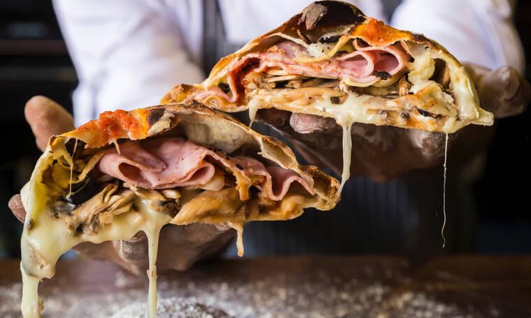 Θα χρειαστείς μόνο δύο υλικά για να φτιάξεις την πιο νόστιμη ζύμη για πίτσα
