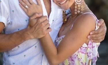 Γνωστή πρωταγωνίστρια δέχτηκε πρόταση γάμου και μας έδειξε το μονόπετρο (photos)